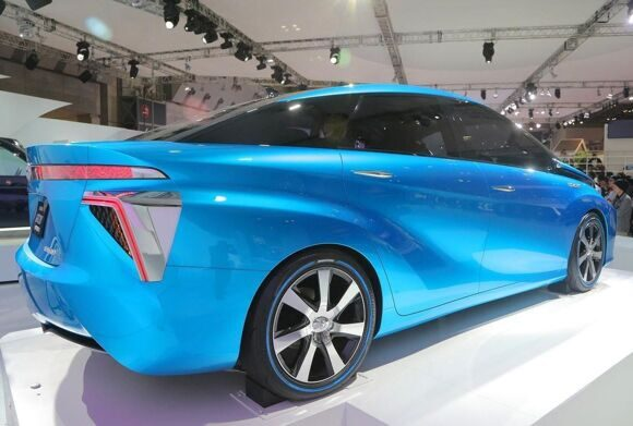 1398940708_toyota-fuel-cell-concept_9